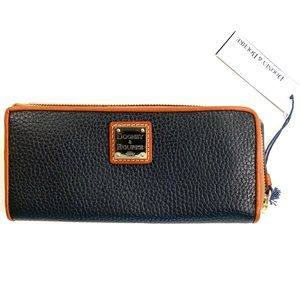 NWT Dooney & Bourke Pebble Black & Brown Wallet